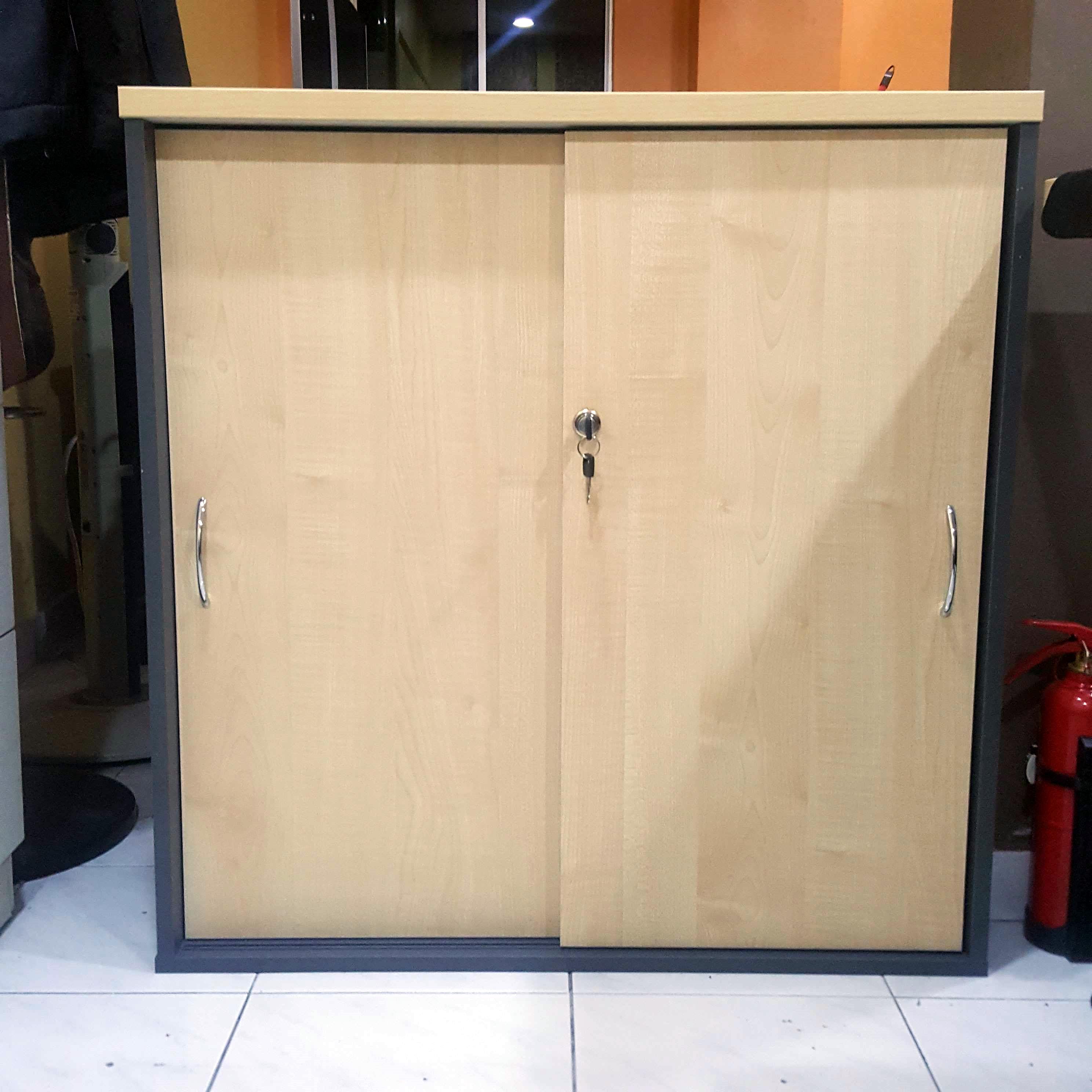 Sliding Door Low Cabinet GS880